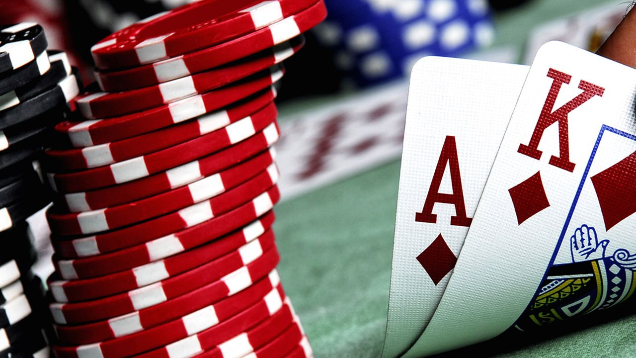 How to Play Blackjack in a Casino
